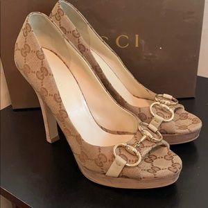 Gucci canvass GG horse-Bit Peep-toe heels Size 8